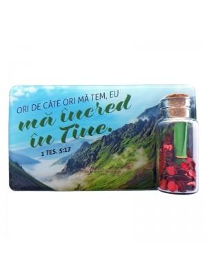 Magnet din plastic cu peisaje si text biblic, cu sticluta cu inimi si sul din hartie