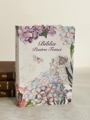 Biblie pentru femei 064 medie